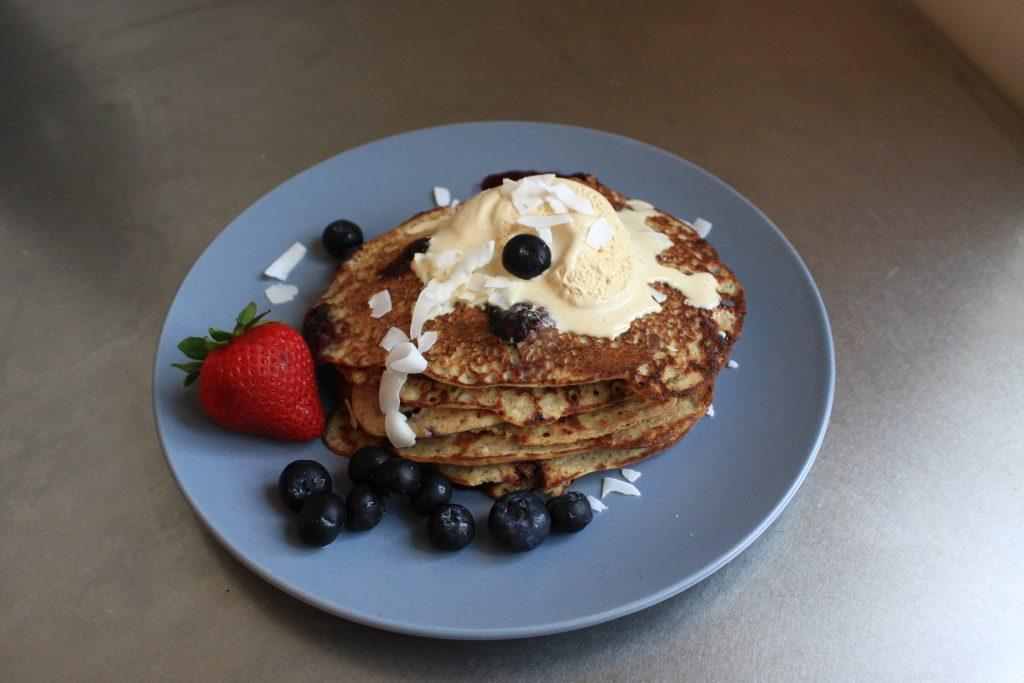 Pancakes fără gluten / Mic Dejun by Lili Sandu