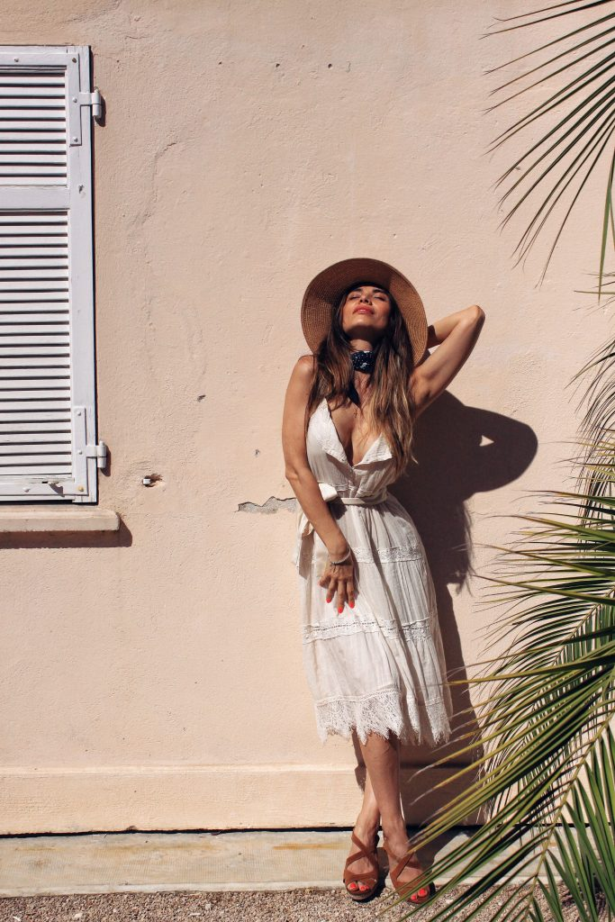 Outfits by Lili Sandu / inspired by South of France