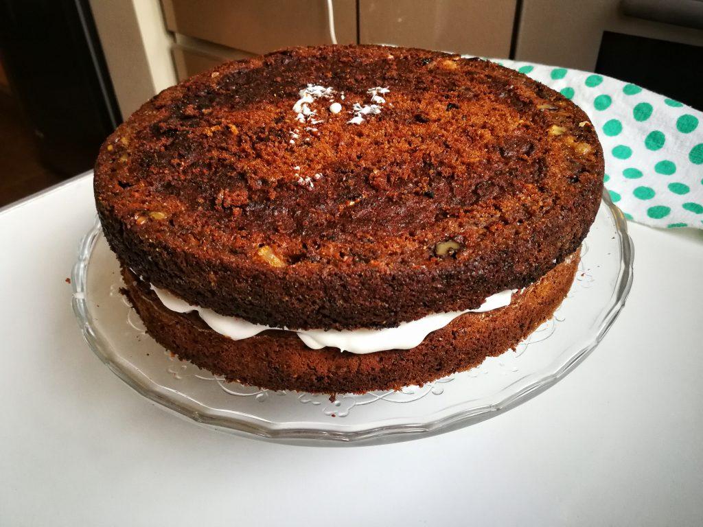 Tort de morcovi vegan și fără gluten / Lili Sandu