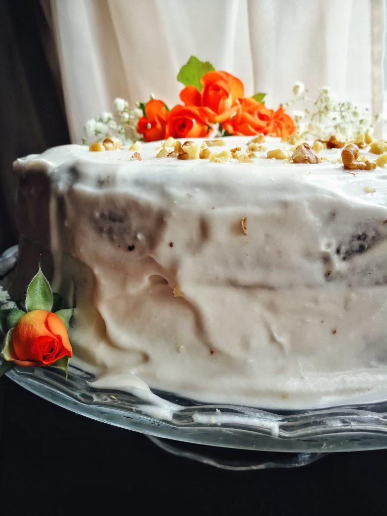 Tort de morcovi vegan și fără gluten și zahăr rafinat / Lili Sandu