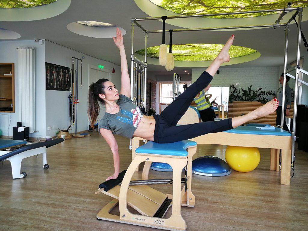 Pilates - echilibrul dintre corp și minte by Lili Sandu